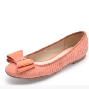 Daphne/达芙妮春款蝴蝶结圆头方跟低跟护士鞋职场单鞋1014101199