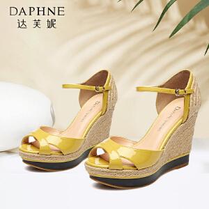 Daphne/达芙妮 夏编织凉鞋 韩版坡跟一字扣鱼嘴凉鞋1515303032