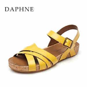Daphne/达芙妮春夏款罗马风平底露趾一字扣凉鞋