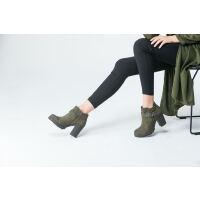 伊贝拉(YI-BELLA)女靴真皮复古短靴金属皮带扣舒适简约百搭粗跟高跟女靴黑色