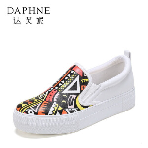 Daphne/达芙妮2017春夏 学院风厚底单鞋 休闲圆头拼色涂鸦单鞋