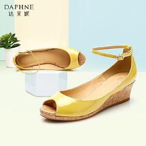 Daphne/达芙妮 春季单鞋女坡跟甜美一字式扣带鱼嘴单鞋