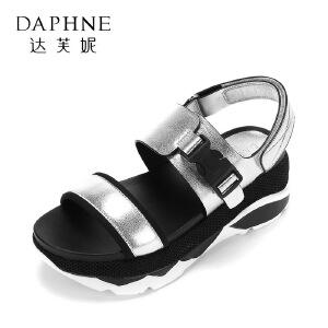 Daphne/达芙妮17夏新舒适圆头松糕女鞋 学院风拼色魔术贴厚底凉鞋