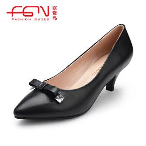 富贵鸟  牛皮甜美蝴蝶结单鞋时尚中跟女鞋