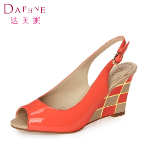 达芙妮夏季鱼嘴女鞋 清仓百搭高跟鞋坡跟女士凉鞋个性夏天鞋子