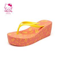 Daphne/达芙妮 hellokitty坡跟沙滩人字拖 防滑女拖鞋